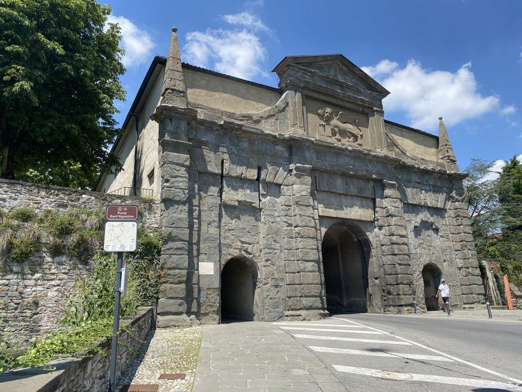 Visitare Bergamo Alta con i bambini - Porta Sant'Agostino