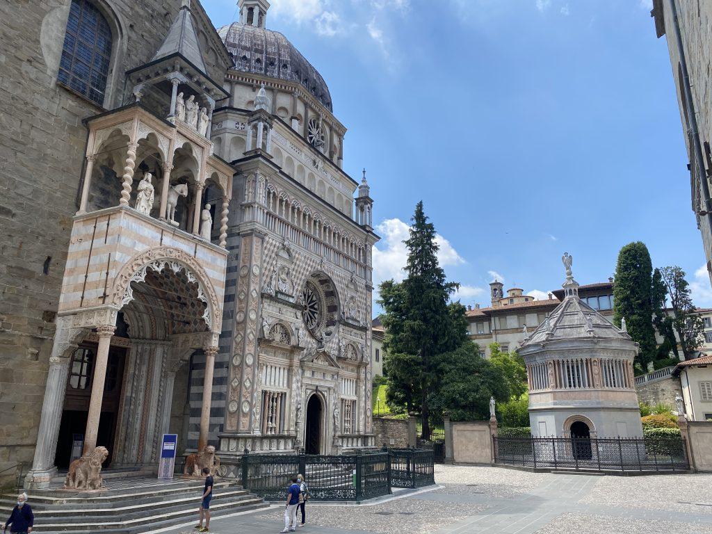 Visitare Bergamo Alta con i bambini - piazza Duomo