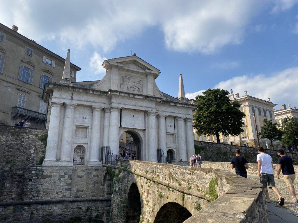 Visitare Bergamo Alta con i bambini - Porta San Giacomo